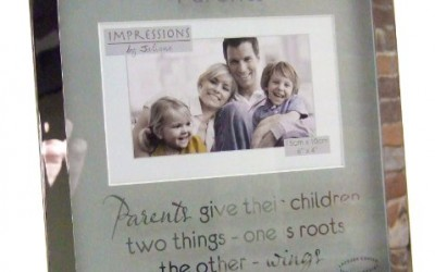 """Impressions by Juliana """"Parents"""" Poem 4″ x 6″ Silver Bordered Photo Frame"""
